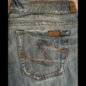 Women's Silvers Very Distressed size 30/34